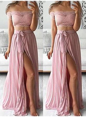 A-Line/Princess Off-the-Shoulder Floor-Length Chiffon Prom Dress With Lace