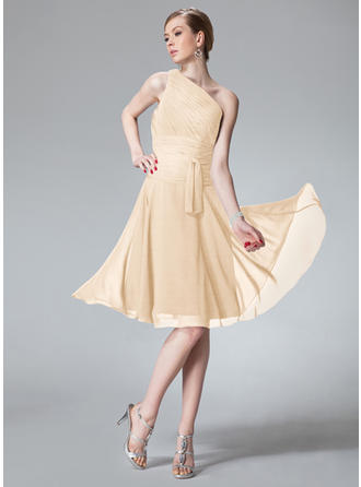 A-Line/Princess Chiffon Bridesmaid Dresses Ruffle One-Shoulder Sleeveless Knee-Length