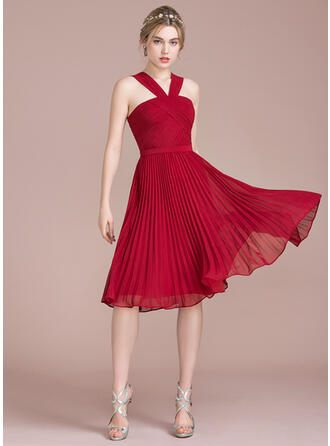 A-Line V-neck Knee-Length Chiffon Bridesmaid Dress With Pleated