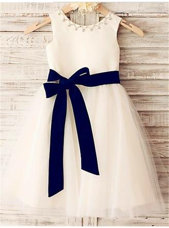 A-Line/Princess Scoop Neck Knee-length With Sash/Beading Satin/Tulle Flower Girl Dresses