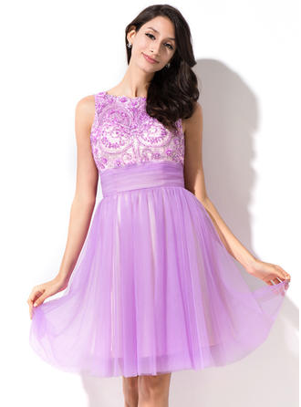 A-Line/Princess Knee-Length Homecoming Dresses Scoop Neck Tulle Sleeveless