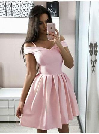 A-Line/Princess Short/Mini Satin Square Neckline Homecoming Dresses