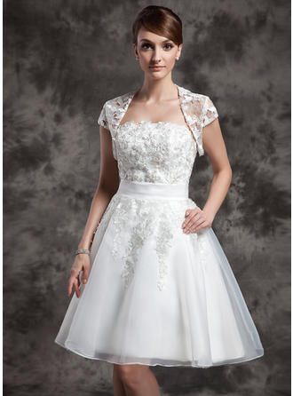 Organza A-Line/Princess Knee-Length Strapless Wedding Dresses Sleeveless