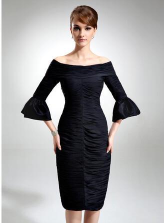 Sheath/Column Off-the-Shoulder Knee-Length Chiffon Cocktail Dress With Ruffle