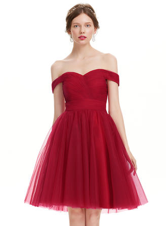 A-Line/Princess Off-the-Shoulder Knee-Length Tulle Prom Dresses With Ruffle