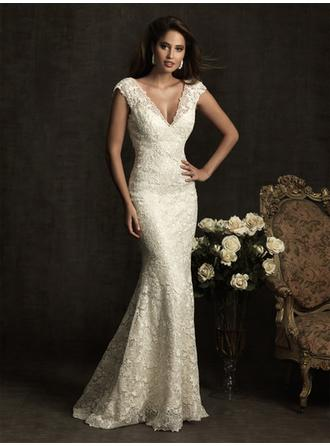 Trumpet/Mermaid Sweep Train Wedding Dresses With Lace
