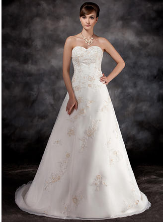 A-Line/Princess Sweetheart Court Train Wedding Dresses With Beading Appliques Lace