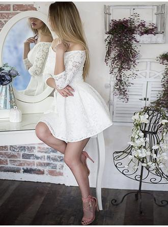 A-formet/Prinsesse Off-the-Shoulder Kort/Mini Festkjoler med Frynse