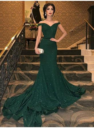 Trumpet/Mermaid Velvet Prom Dresses Glamorous Sweep Train Off-the-Shoulder Sleeveless