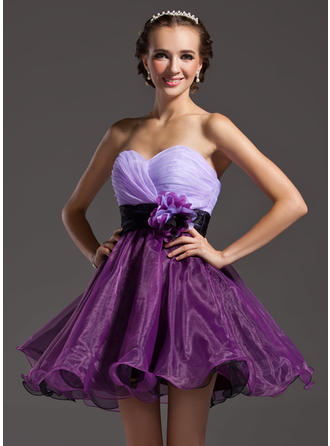 A-Line/Princess Sweetheart Short/Mini Organza Homecoming Dresses With Ruffle Sash Flower(s)