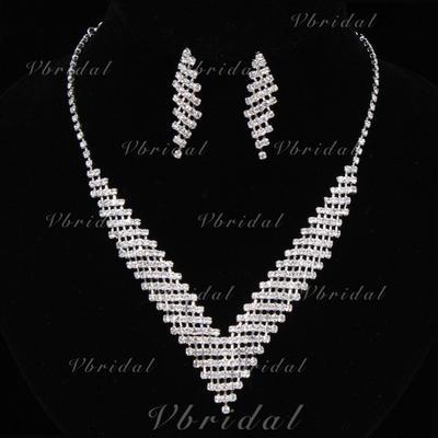 Jewelry Sets Alloy/Rhinestones Lobster Clasp Pierced Ladies' Wedding & Party Jewelry (011167166)