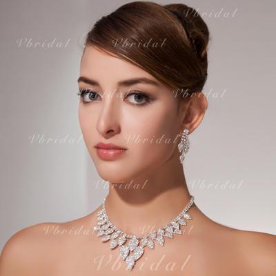 Sistemas de la joyería Aleación Rhinestone Corchete de la langosta Clip de oreja Joyas de boda & fiesta (011013123)