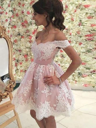 A-Line/Princess Off-the-Shoulder Lace Sleeveless Short/Mini Ruffle Homecoming Dresses (022212400)