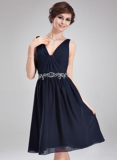 A-Line/Princess V-neck Chiffon Sleeveless Knee-Length Ruffle Beading Cocktail Dresses (016210404)
