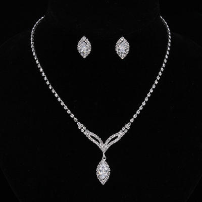 Jewelry Sets Alloy/Rhinestones/Zircon Lobster Clasp Pierced Ladies' Wedding & Party Jewelry (011167169)