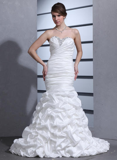 Delicate Court Train Trumpet/Mermaid Wedding Dresses Sweetheart Taffeta Sleeveless (002000670)
