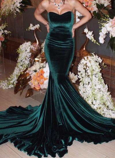 Trumpet/Mermaid Sweetheart Velvet Sleeveless Chapel Train Evening Dresses (017146417)