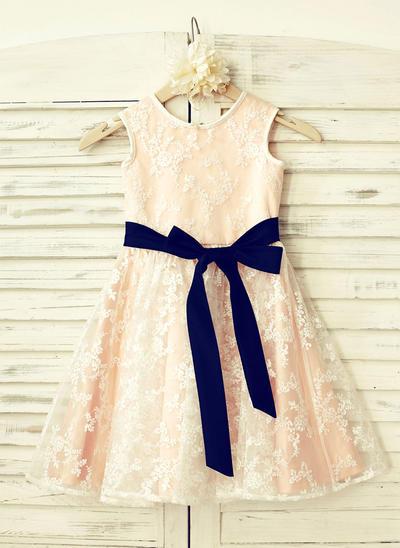 Einfach Knielang A-Linie/Princess-Linie Blumenmädchenkleider U-Ausschnitt Lace Ärmellos (010210164)