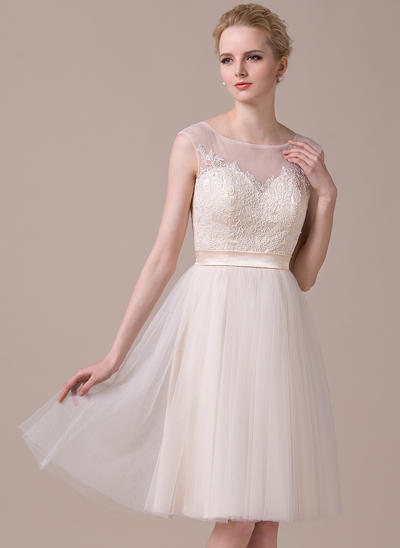A-Line/Princess Scoop Neck Tulle Lace Sleeveless Knee-Length Homecoming Dresses (022068331)