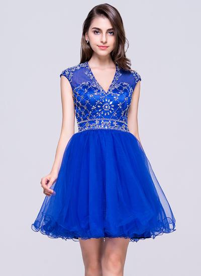 A-Line/Princess V-neck Tulle Sleeveless Short/Mini Beading Sequins Homecoming Dresses (022068813)