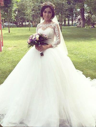 Elegant Court Train Ball-Gown Wedding Dresses Off-The-Shoulder Tulle 3/4 Length Sleeves (002210861)