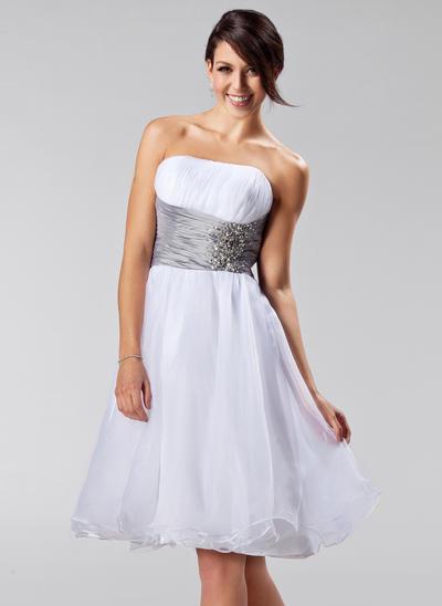 Organza Sleeveless A-Line/Princess Bridesmaid Dresses Strapless Ruffle Sash Beading Knee-Length (007197524)