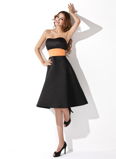 Satin Sleeveless A-Line/Princess Bridesmaid Dresses Sweetheart Sash Knee-Length (007001793)