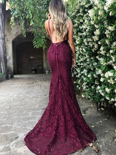 Lace Sleeveless Trumpet/Mermaid Prom Dresses V-neck Court Train (018145977)