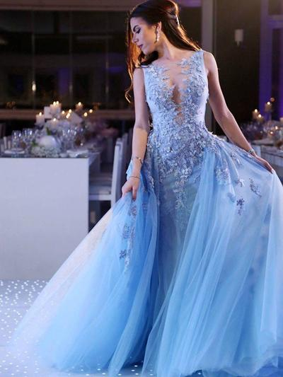Tulle Sleeveless Ball-Gown Prom Dresses Scoop Neck Appliques Lace Sweep Train (018218140)