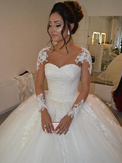 Delicate Court Train Ball-Gown Wedding Dresses Scoop Tulle Long Sleeves (002144908)