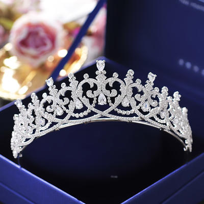 """Tiaras Wedding/Special Occasion/Casual/Outdoor/Party/Carnival/Art photography Zircon 1.77""""(Approx.4.5cm) 5.71""""(Approx.14.5cm) Headpieces (042159462)"""