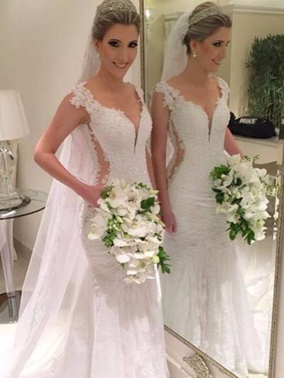 Fashion Court Train Trumpet/Mermaid Wedding Dresses V-neck Tulle Lace Sleeveless (002144851)