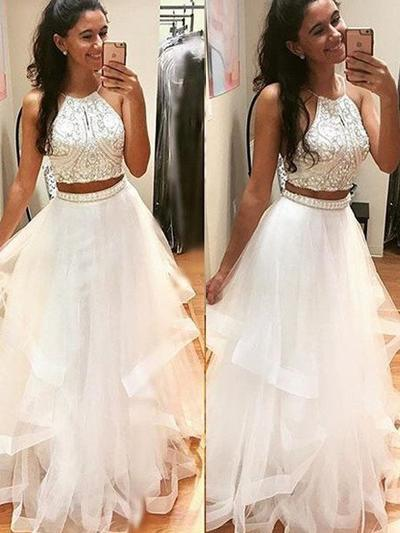 Tulle Sleeveless A-Line/Princess Prom Dresses Scoop Neck Beading Floor-Length (018145397)