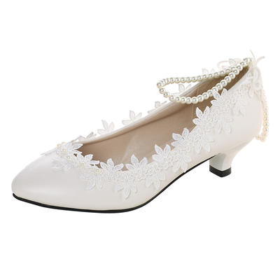 Women's Closed Toe Low Heel Lace Leatherette With Applique Wedding Shoes (047208729)