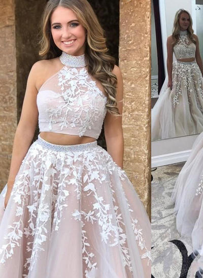 Tulle Sleeveless A-Line/Princess Prom Dresses High Neck Appliques Lace Sweep Train (018210923)