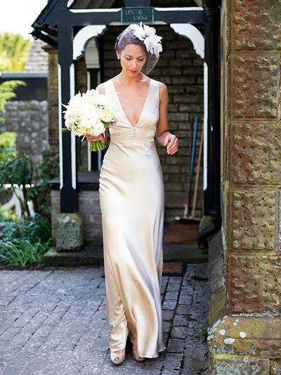 2019 New Floor-Length Sheath/Column Wedding Dresses Deep V Neck Satin Sleeveless (002148023)