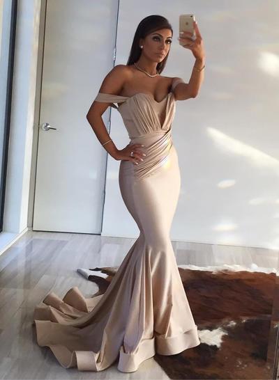 Silk Like Satin Sleeveless Trumpet/Mermaid Prom Dresses Off-the-Shoulder Ruffle Sweep Train (018218512)