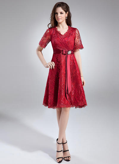 A-Line/Princess V-neck Lace 1/2 Sleeves Knee-Length Crystal Brooch Bow(s) Mother of the Bride Dresses (008211020)
