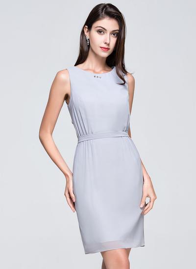 Chiffon Sleeveless Sheath/Column Bridesmaid Dresses Scoop Neck Ruffle Beading Short/Mini (007072248)