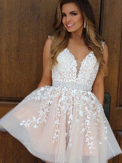 A-Line/Princess V-neck Tulle Sleeveless Short/Mini Appliques Lace Homecoming Dresses (022212460)