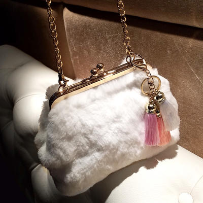 """Clutches Wedding/Ceremony & Party Fur Push-lock frame closure 9.06""""(Approx.23cm) Clutches & Evening Bags (012187978)"""