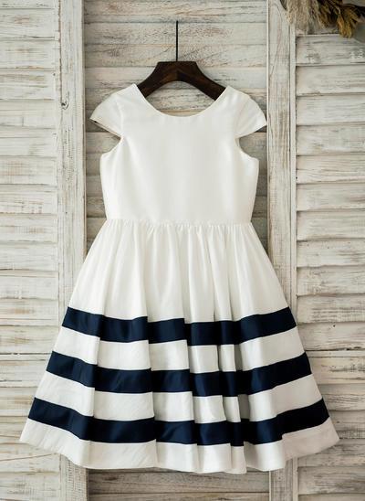 Stunning Knee-length A-Line/Princess Flower Girl Dresses Scoop Neck Taffeta Sleeveless (010210146)