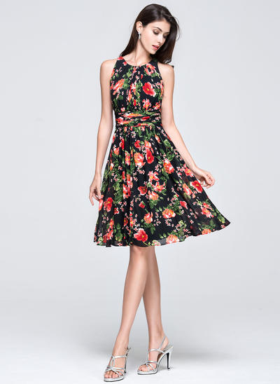 Chiffon Sleeveless A-Line/Princess Prom Dresses Scoop Neck Ruffle Knee-Length (018135386)