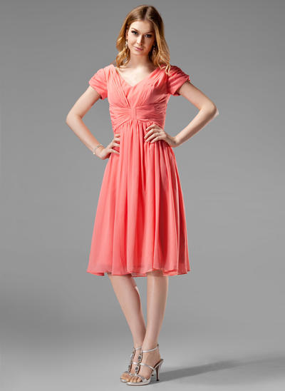 Chiffon Short Sleeves A-Line/Princess Bridesmaid Dresses V-neck Ruffle Knee-Length (007004160)