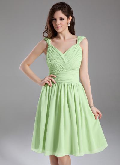 Sleeveless A-Line/Princess Bridesmaid Dresses V-neck Ruffle Knee-Length (007051863)