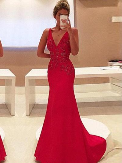 Satin Sleeveless Sheath/Column Prom Dresses V-neck Appliques Lace Sweep Train (018210354)