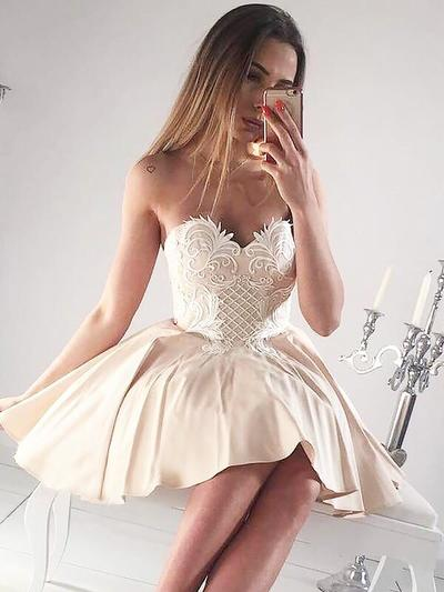 A-Line/Princess Sweetheart Satin Sleeveless Short/Mini Ruffle Appliques Lace Cocktail Dresses (016212697)