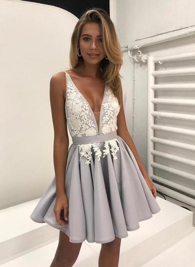 A-Line/Princess V-neck Satin Sleeveless Short/Mini Appliques Lace Homecoming Dresses (022212463)