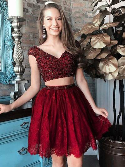 A-Line/Princess V-neck Lace Short/Mini Beading Homecoming Dresses (022212419)