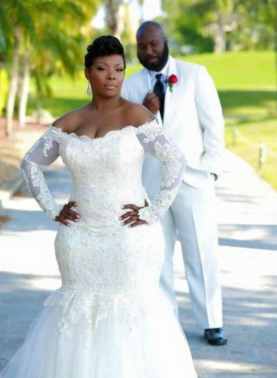 Luxurious Sweep Train Trumpet/Mermaid Wedding Dresses Off-The-Shoulder Tulle Long Sleeves (002147838)